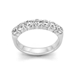 Inspiration Diamond 7-Stone Band